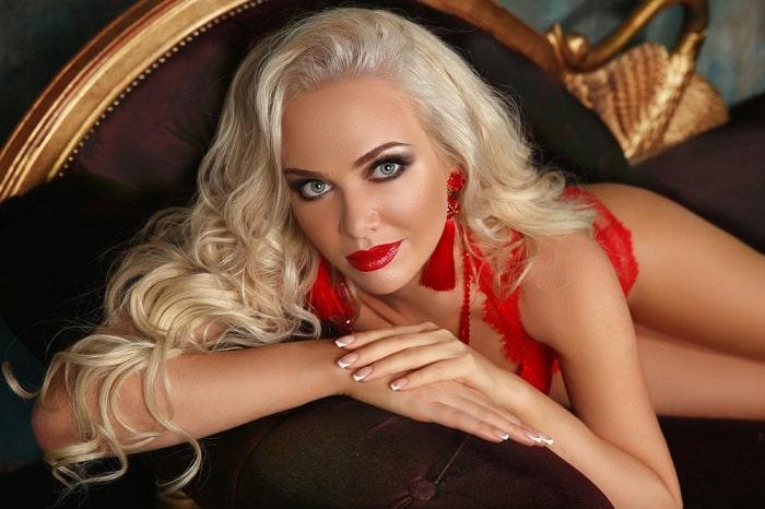 erotične zgodbe blondinka eskort