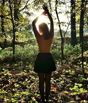 erotična zgodba v gozdu