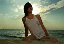 eroticna zgodbica dobiva se na plazi